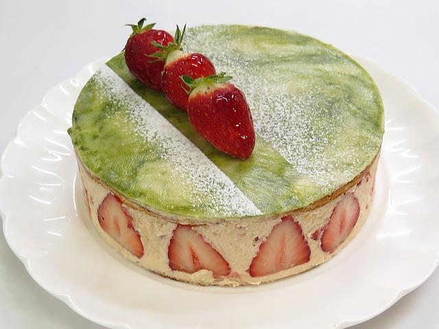 Jahodový dort s kiwi