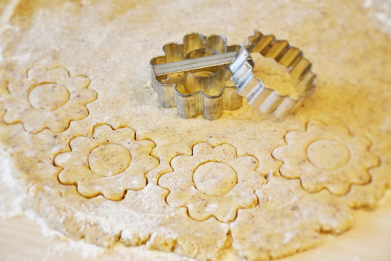 Pečeme vánoční cukroví pro děti + recepty