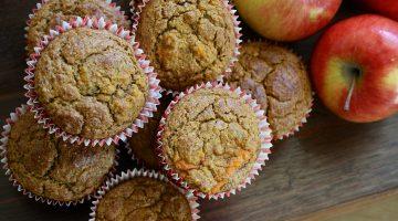 Jablečné muffiny se skořicí a javorovým sirupem