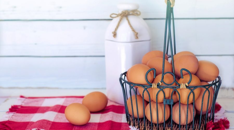 Veliknoční vaječná tlačenka z vajec
