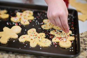 Co mohou děti v kuchyni dělat
